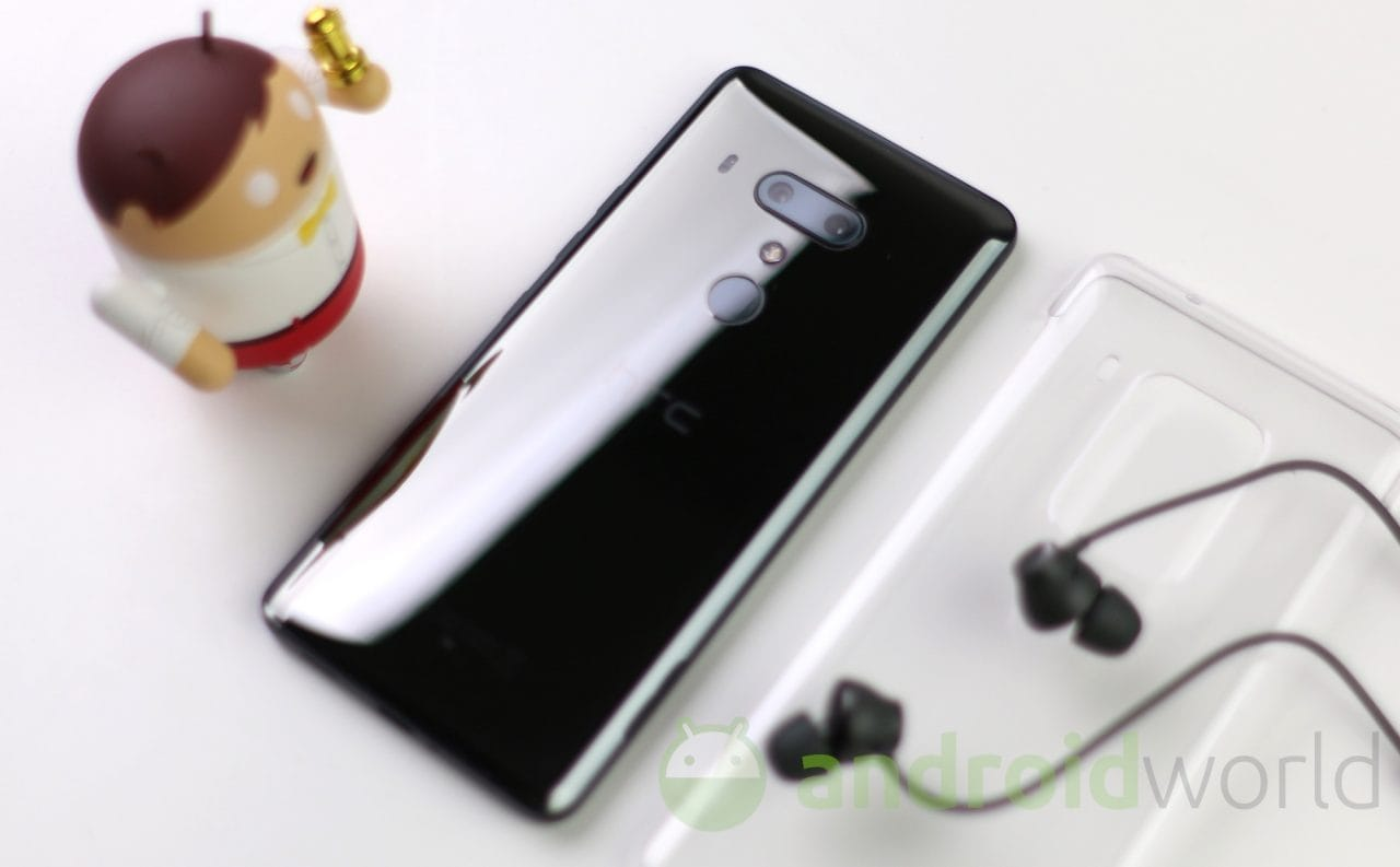 Anche HTC si unisce alle danze del Black Friday: sconti su tanti smartphone fino al Cyber Monday