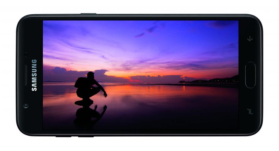 Due nuovi Samsung Galaxy J3 (2018) e J7 (2018) annunciati negli USA (foto)