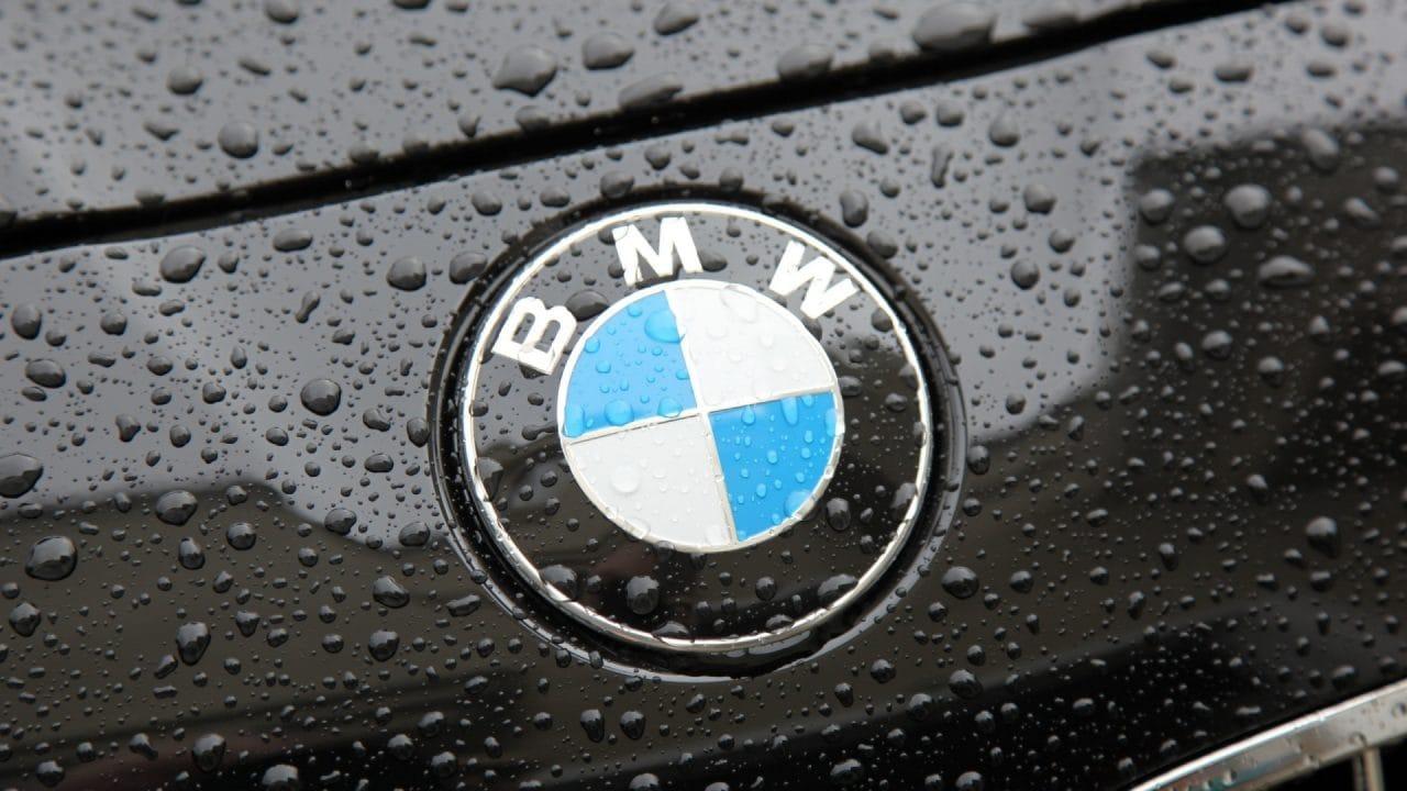 Anche BMW cede al fascino di Android Auto: arriverà il prossimo anno e sarà wireless!