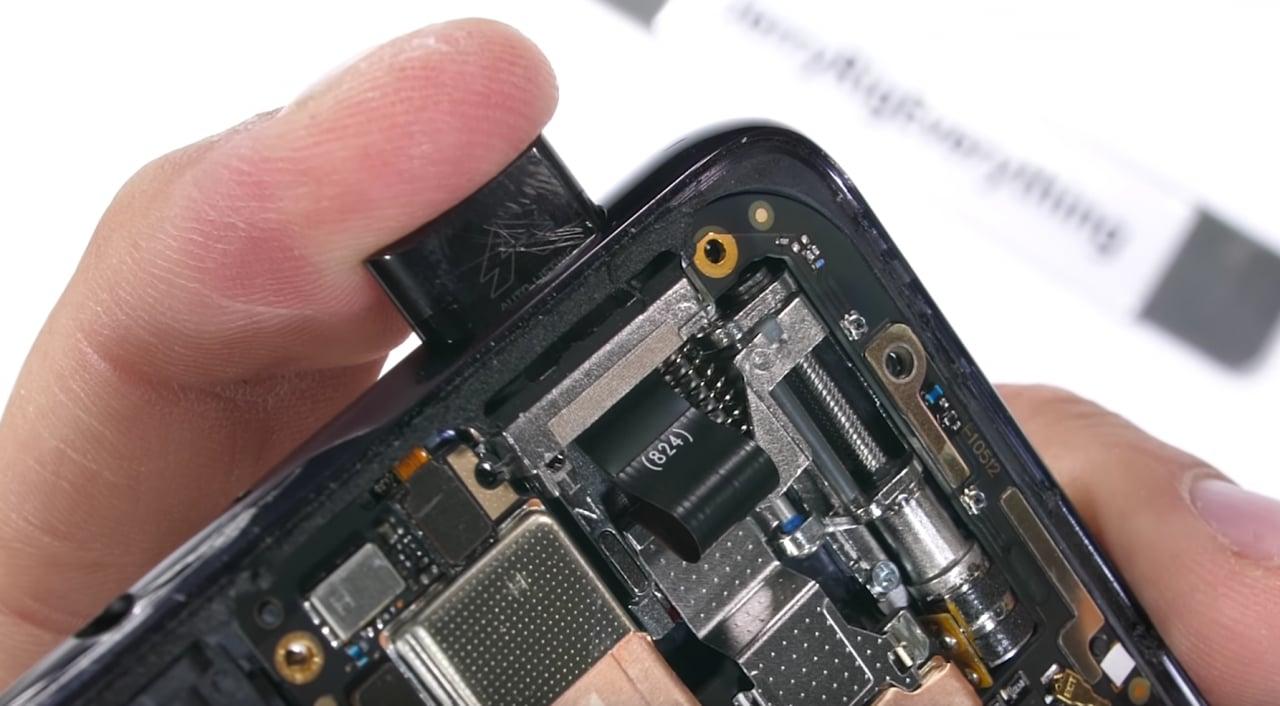 La fotocamera pop-up è ancora più bella nella versione trasparente di Vivo NEX S (video)