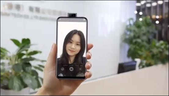 Elephone va oltre Vivo NEX: il nuovo modello non ha una sola fotocamera pop-up, ma due! (video)