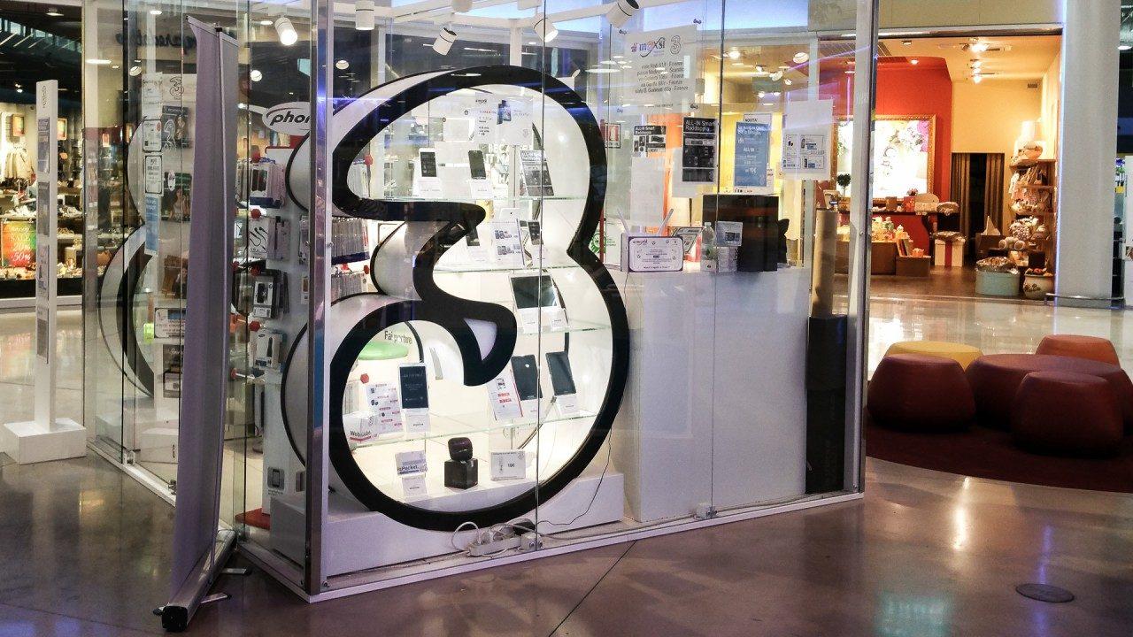Xiaomi Mi8 a rate con 3 Italia e nuove offerte da abbinare a Mi MIX 2 e Redmi 5 Plus: ecco i prezzi