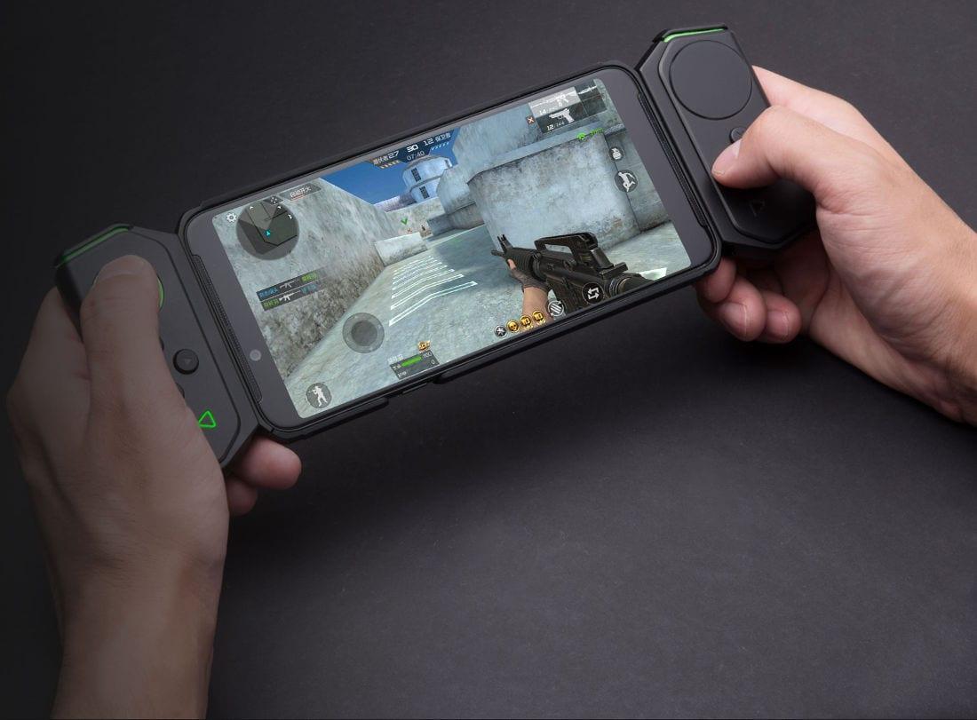Xiaomi Black Shark Helo ufficiale: sempre più tamarro e potente, ora con due gamepad (foto)