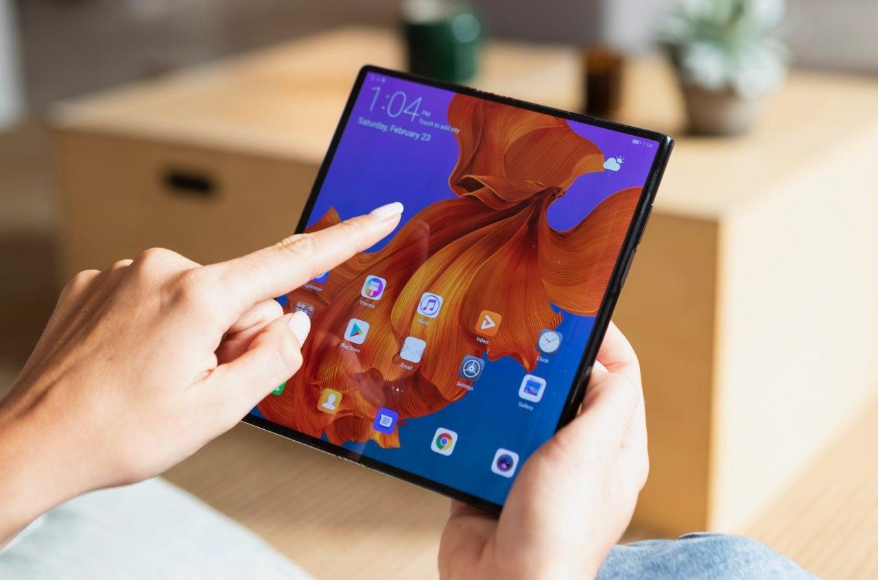 Piccolo botta e risposta per Huawei Mate X: è molto fragile? E il supporto alle app?