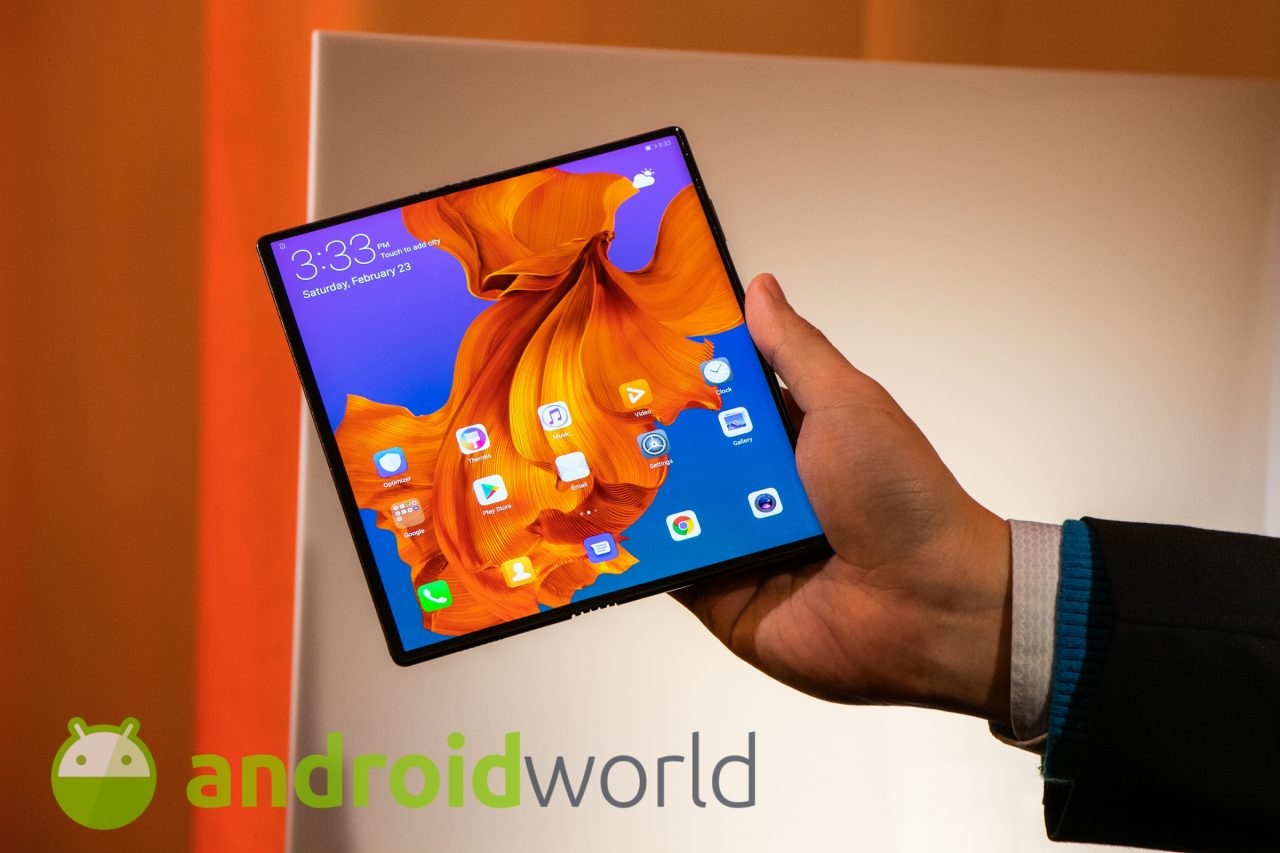 Giocare su Huawei Mate X sarà tutta un'altra cosa grazie allo schermo pieghevole (video)