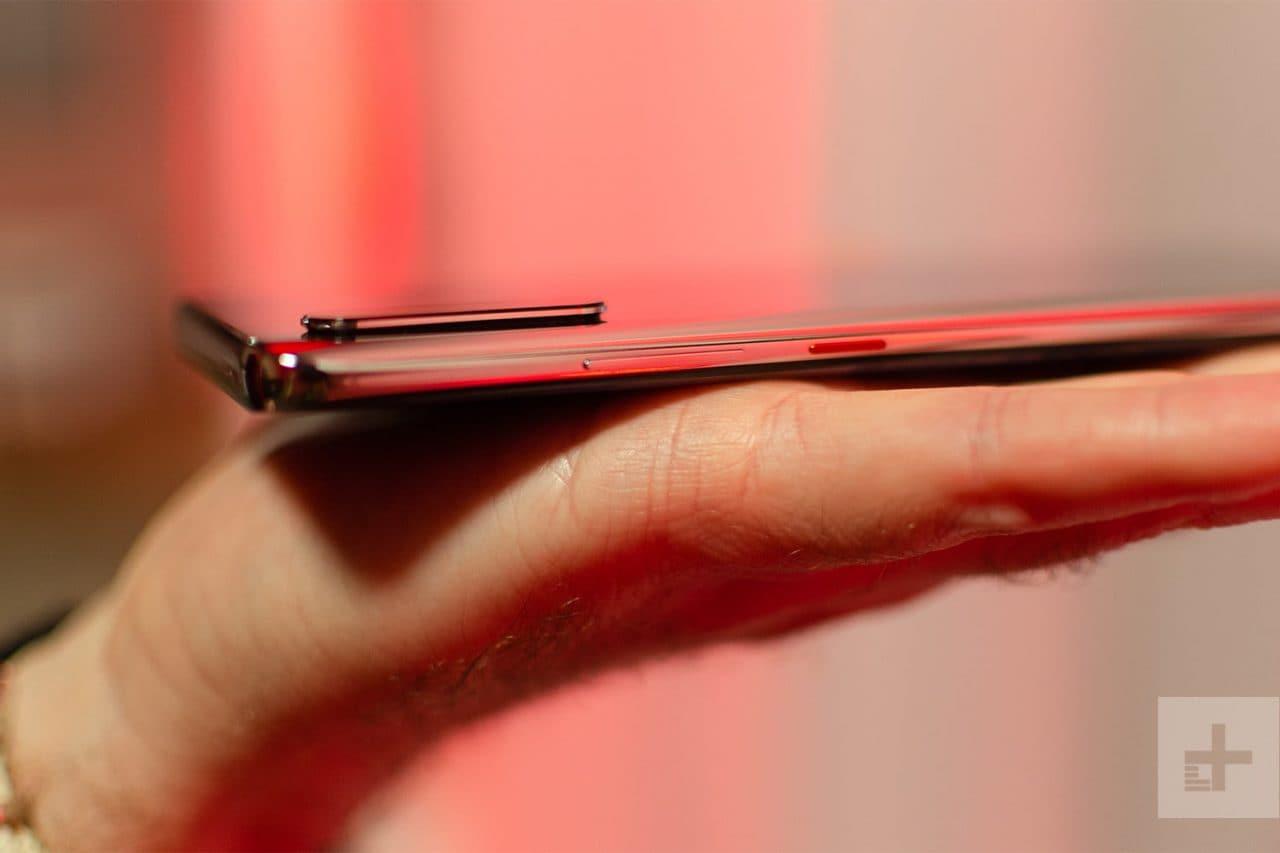 """Guardate """"da vicino"""" il retro di Huawei P30 Pro e quanto sarà potente il suo zoom ottico (foto)"""