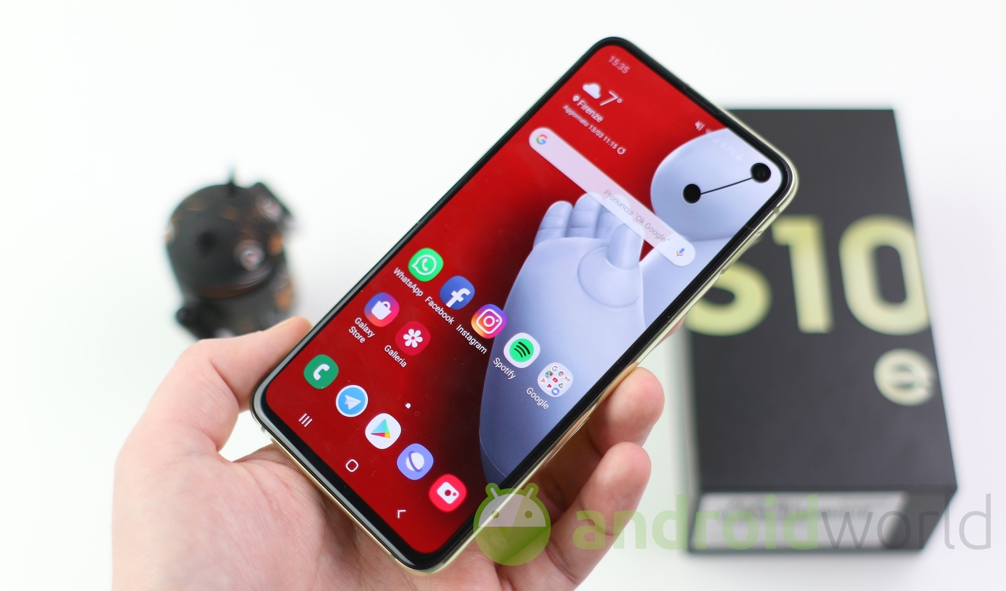 What price for Galaxy S10e: 440 € in various colors on Amazon
