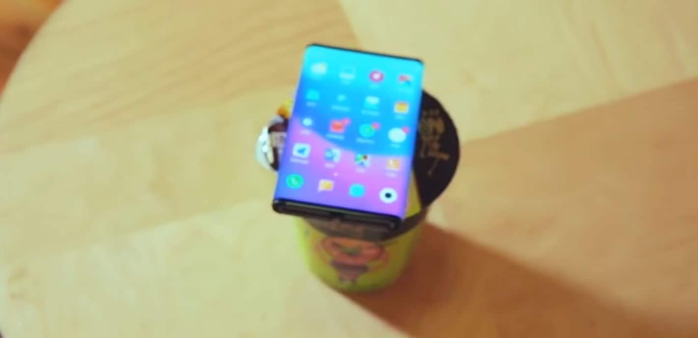 """Ecco un nuovo video dello smartphone """"doppiamente pieghevole"""" di Xiaomi: ma sarà davvero una buona idea?"""