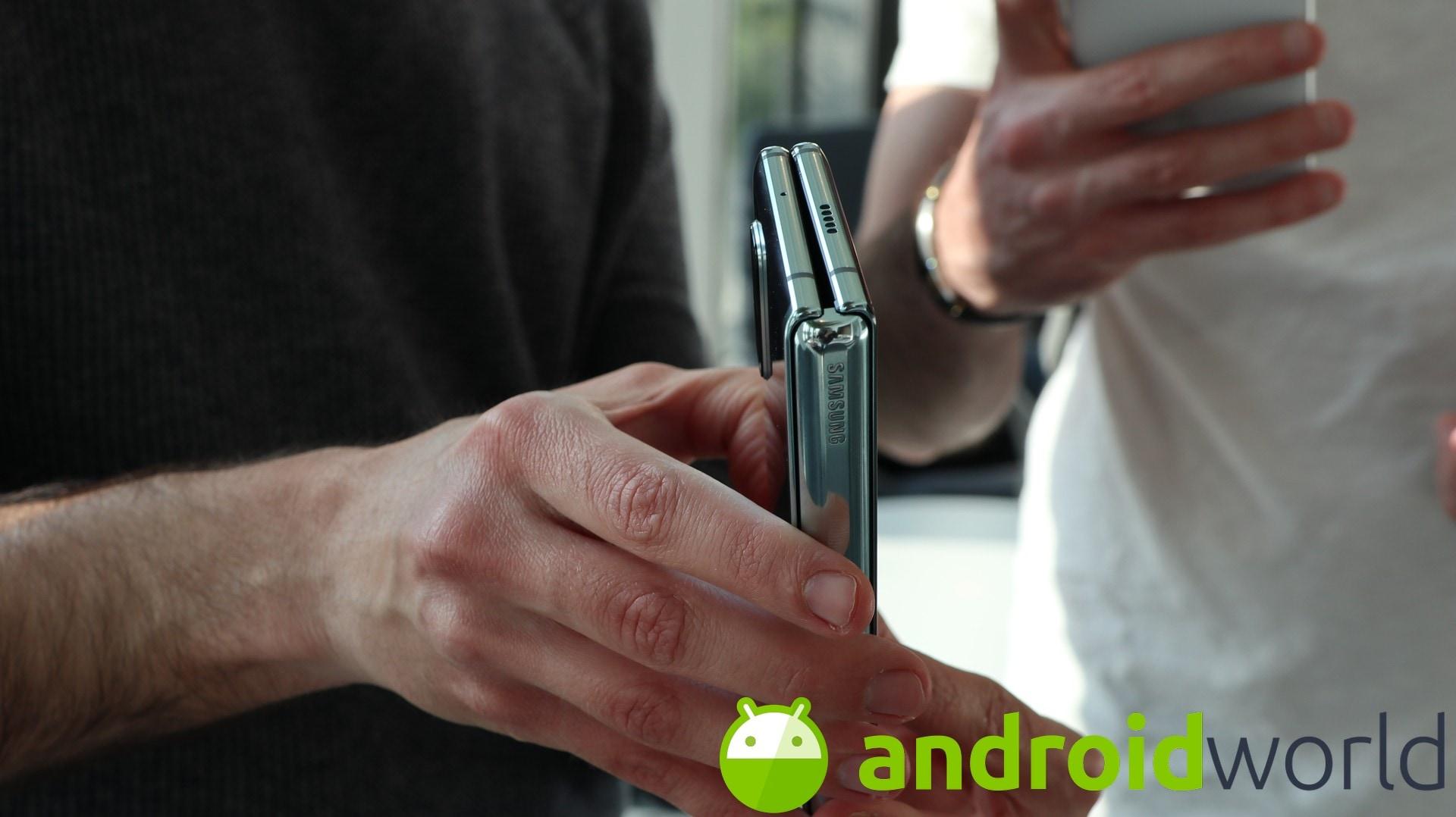 Il nuovo design di Galaxy Fold è pronto, ma ci sarà da aspettare. Parola di Bloomberg