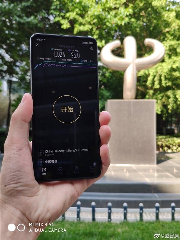 Parte ufficialmente l'era del 5G in Italia: Mi MIX 3 5G e LG V50 disponibili nei negozi Vodafone (aggiornato: quasi disponibile per tutti)