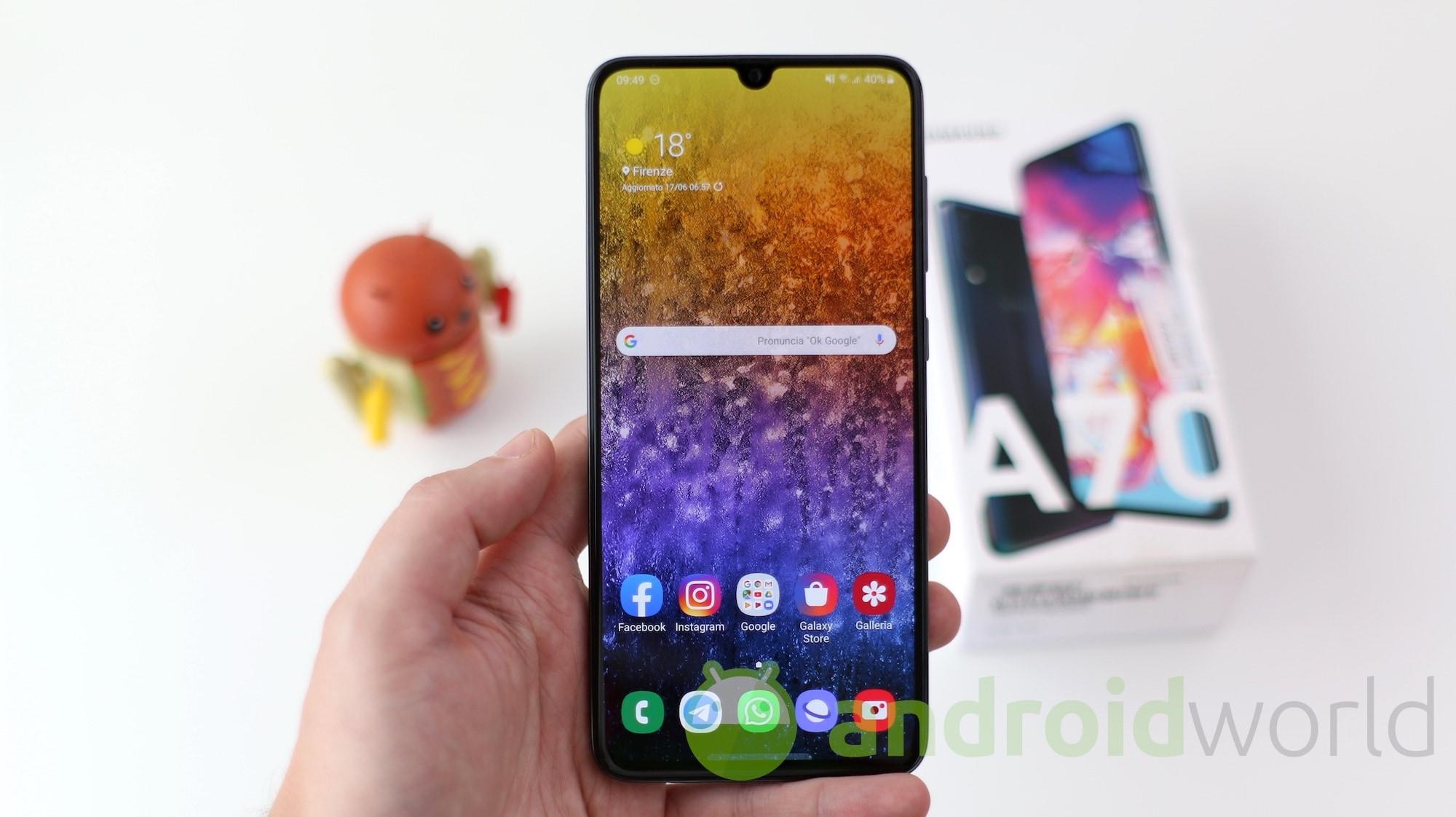 Alcuni Samsung Galaxy A70 non si accendono più dopo l'aggiornamento ad Android 10 (aggiornato: rilascio interrotto)