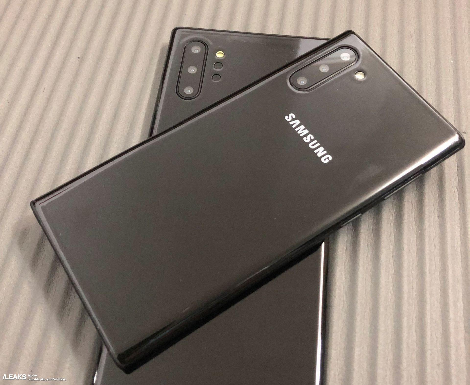 Samsung Galaxy Note 10 con ricarica 45W, ma microSD solo sul Plus