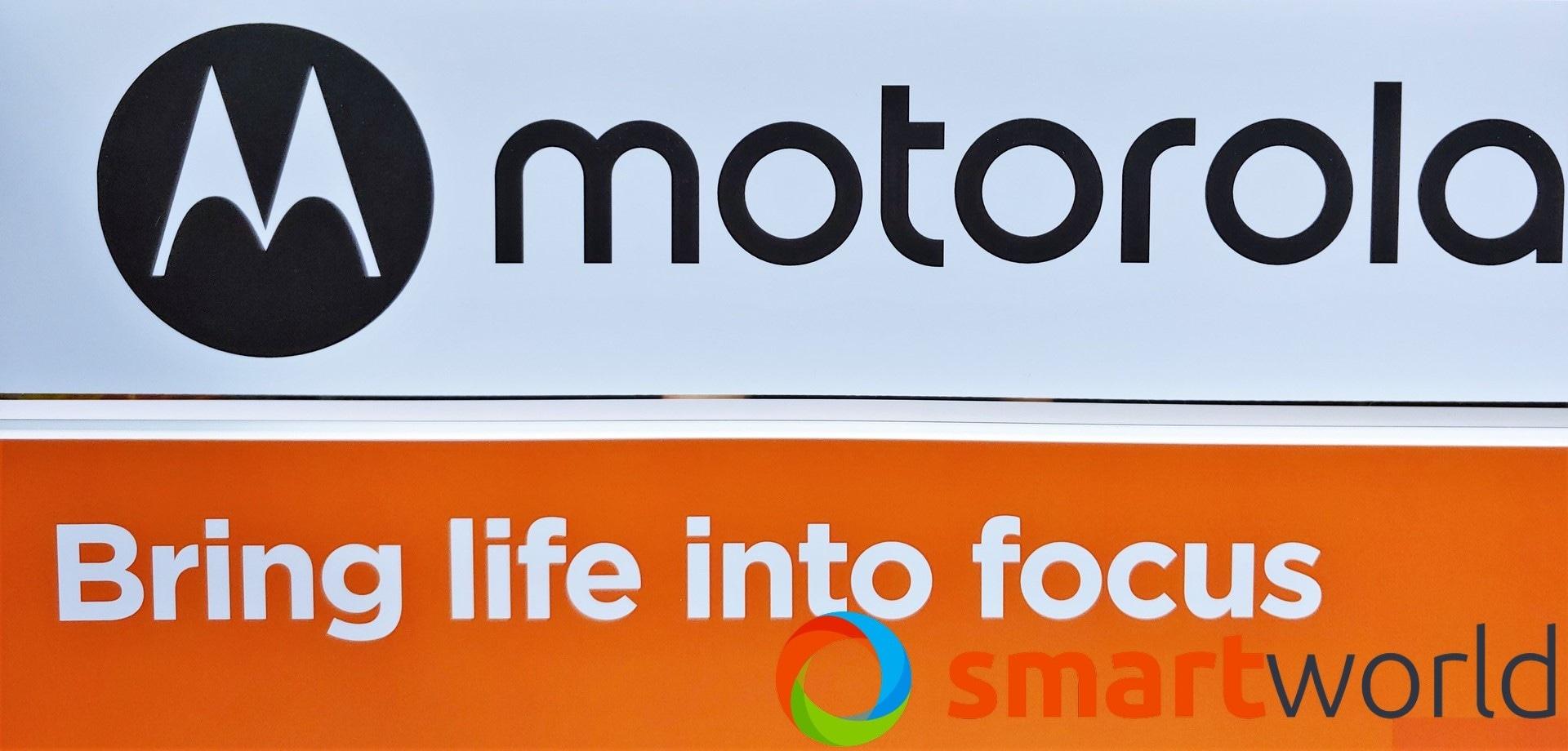 """Ora possiamo vedere """"dal vivo"""" Motorola One Macro: conferme sulla quad-camera, arriverà il 9 ottobre (foto) (aggiornato)"""