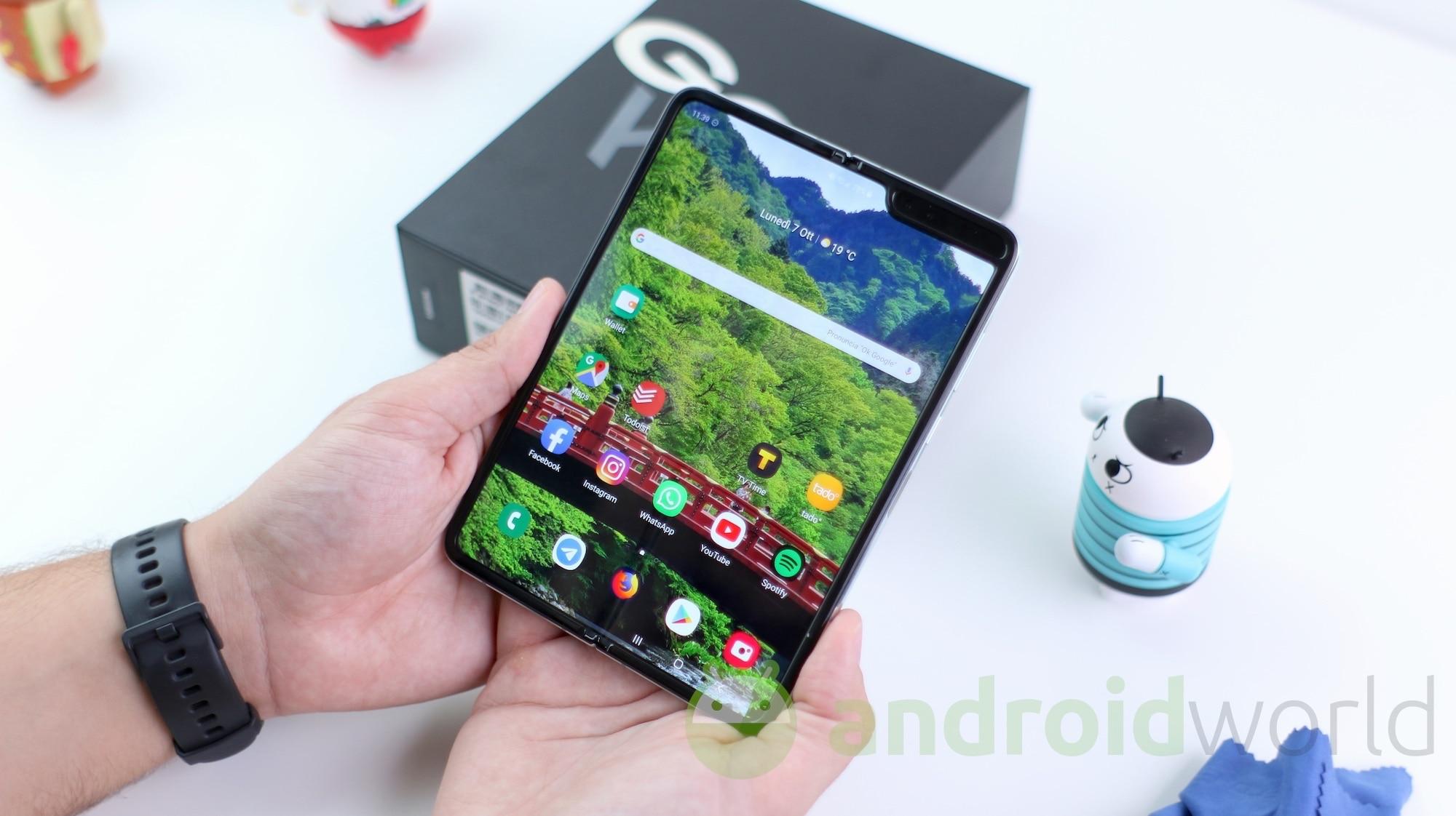 Android 10 per Galaxy Fold: Samsung inizia a lavorarci