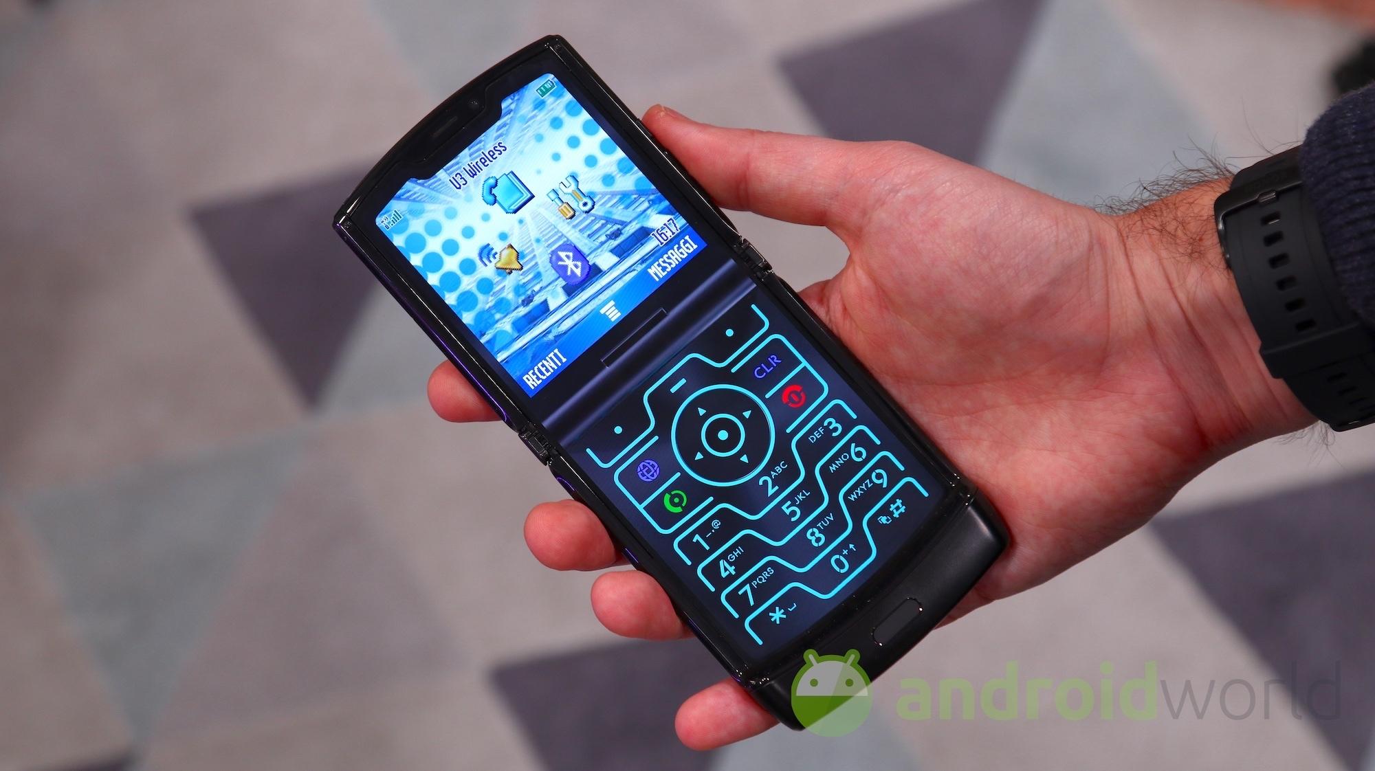 Volete avere il nuovo Motorola Razr? Ecco tutte le offerte per pagarlo a rate con WindTre