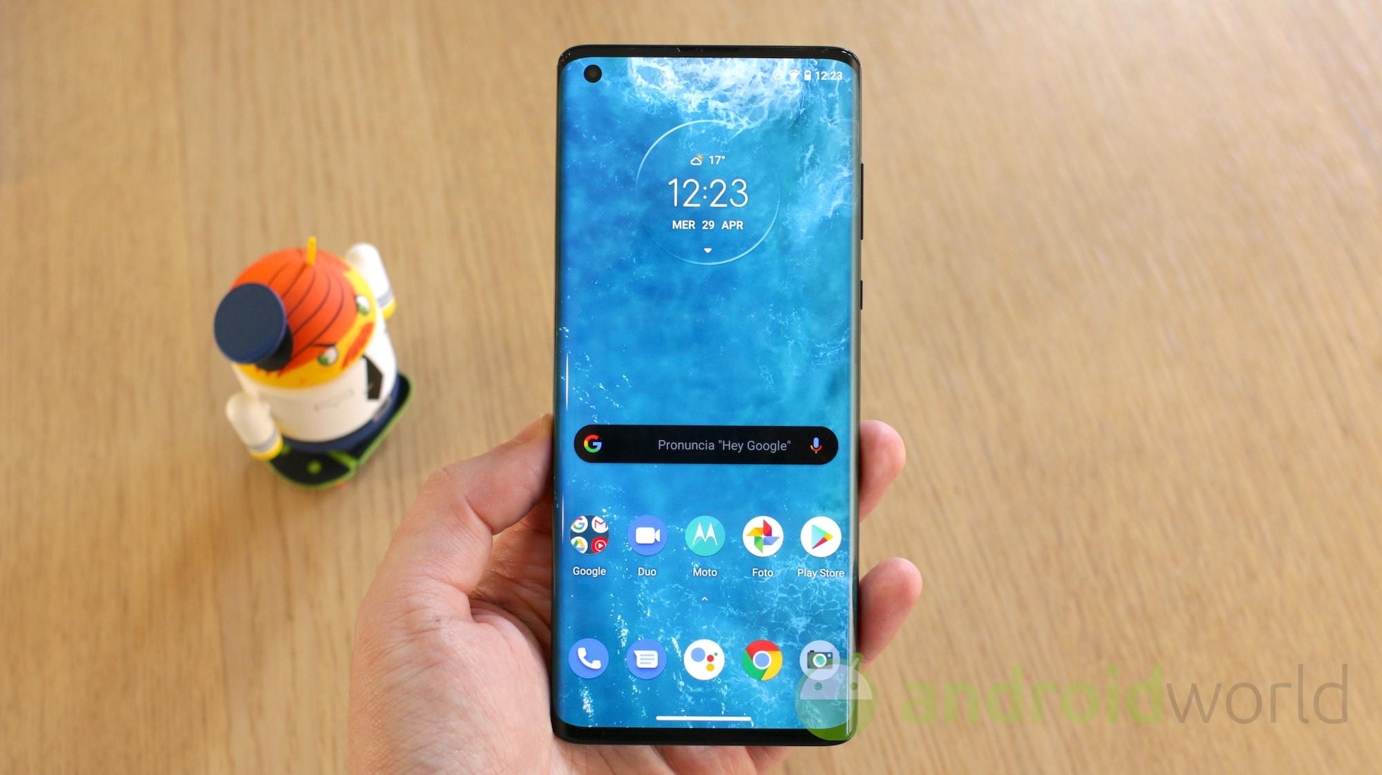 Motorola Moto Edge Plus def 011