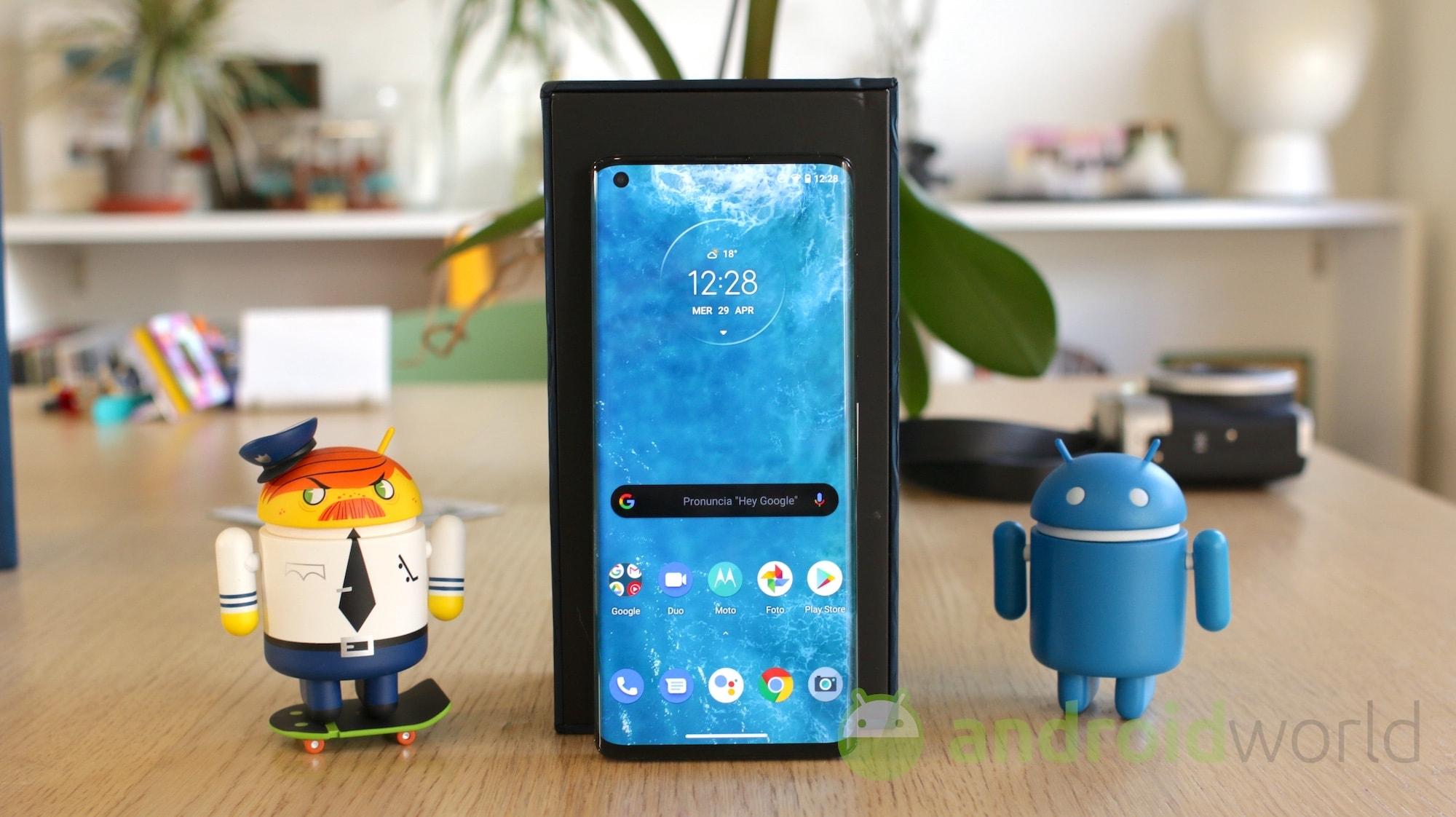 Motorola Edge e Edge+ sono pronti all'acquisto: eccoli su Amazon