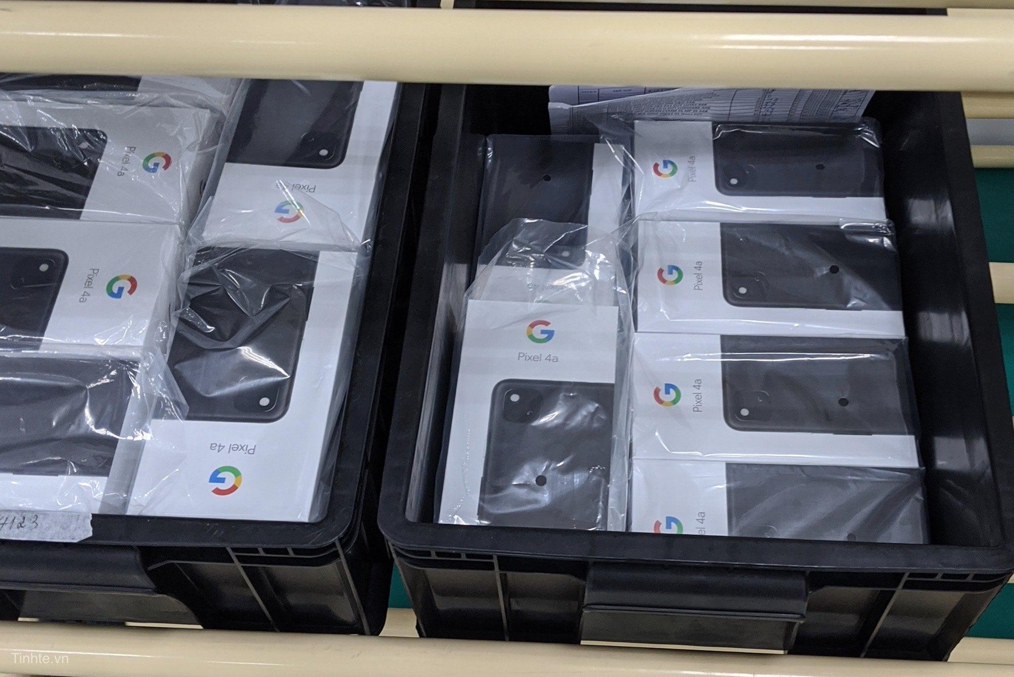 Dalla catena produttiva in Vietnam c'è chi giura di aver avvistato Pixel 4a XL: vogliamo crederci? (foto)