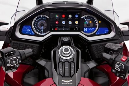 honda-gold-wing-android-auto-01