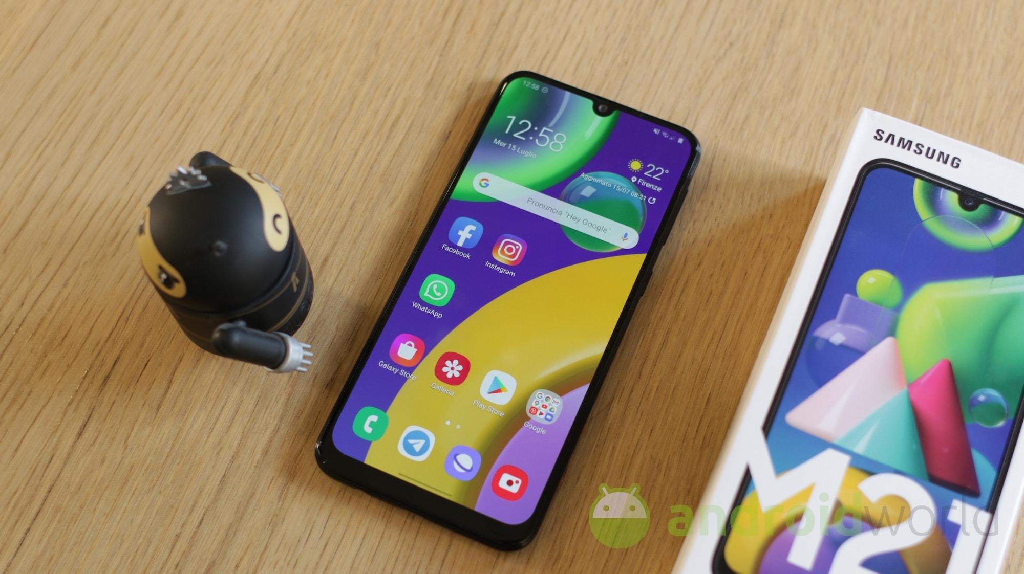 Offertona per Samsung Galaxy M21: solo 209€ per 6.000 mAh di batteria
