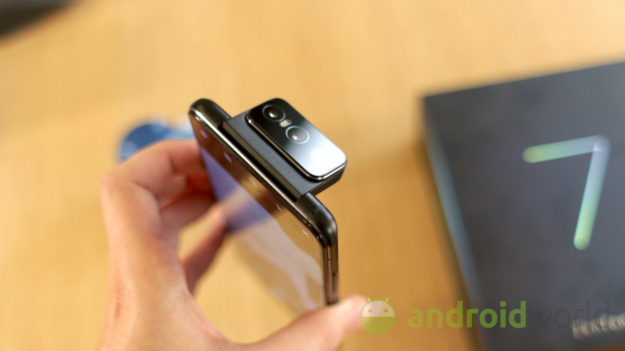 Zenfone 7 Pro è appena arrivato ed è già pronto ad aggiornarsi! (foto e video)