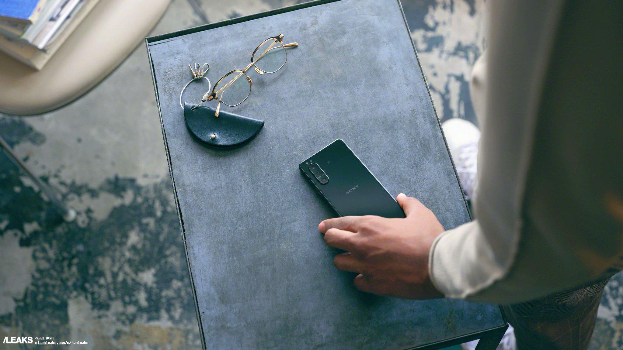 Tutto (o quasi) su Sony Xperia 5 II: Snapdragon 865, display a 120 Hz e tanta attenzione alla fotografia (video)