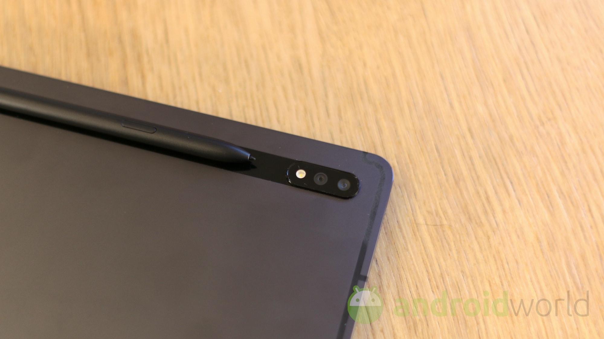Il Galaxy Tab S8 Ultra sarà ultra anche nelle dimensioni dello schermo