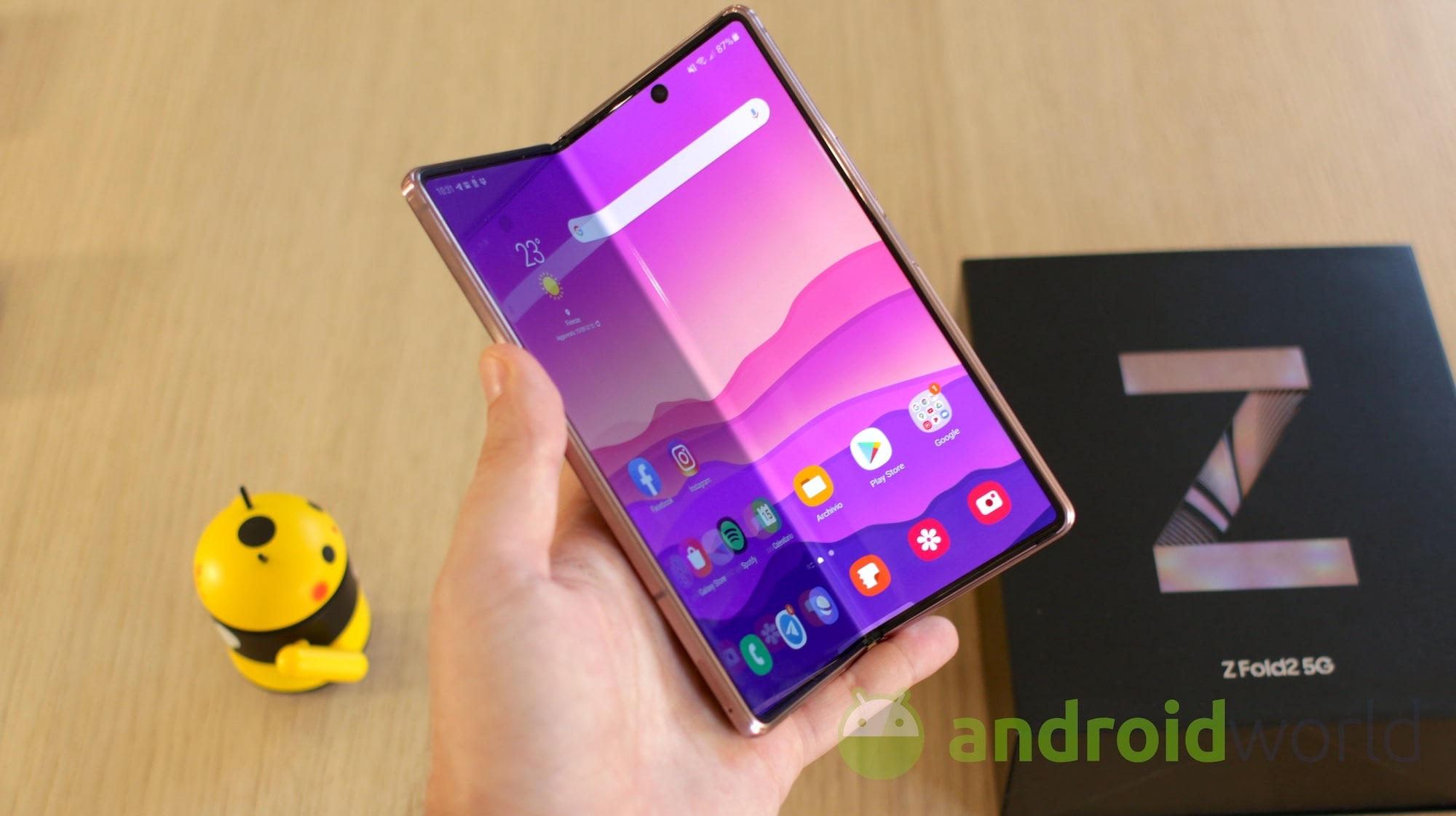 Il comparto audio di Galaxy Z Fold 2 tes …