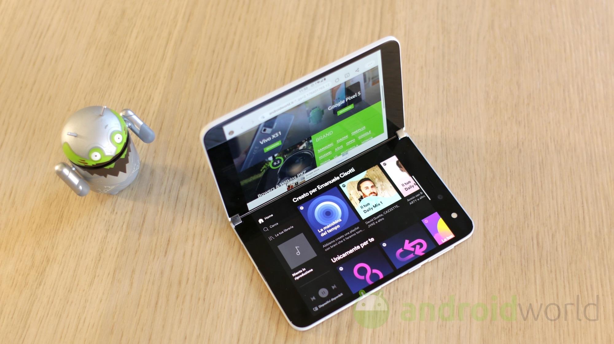 Surface Duo passa da DxOMark: display perfetto per il multitasking ma non ancora al top