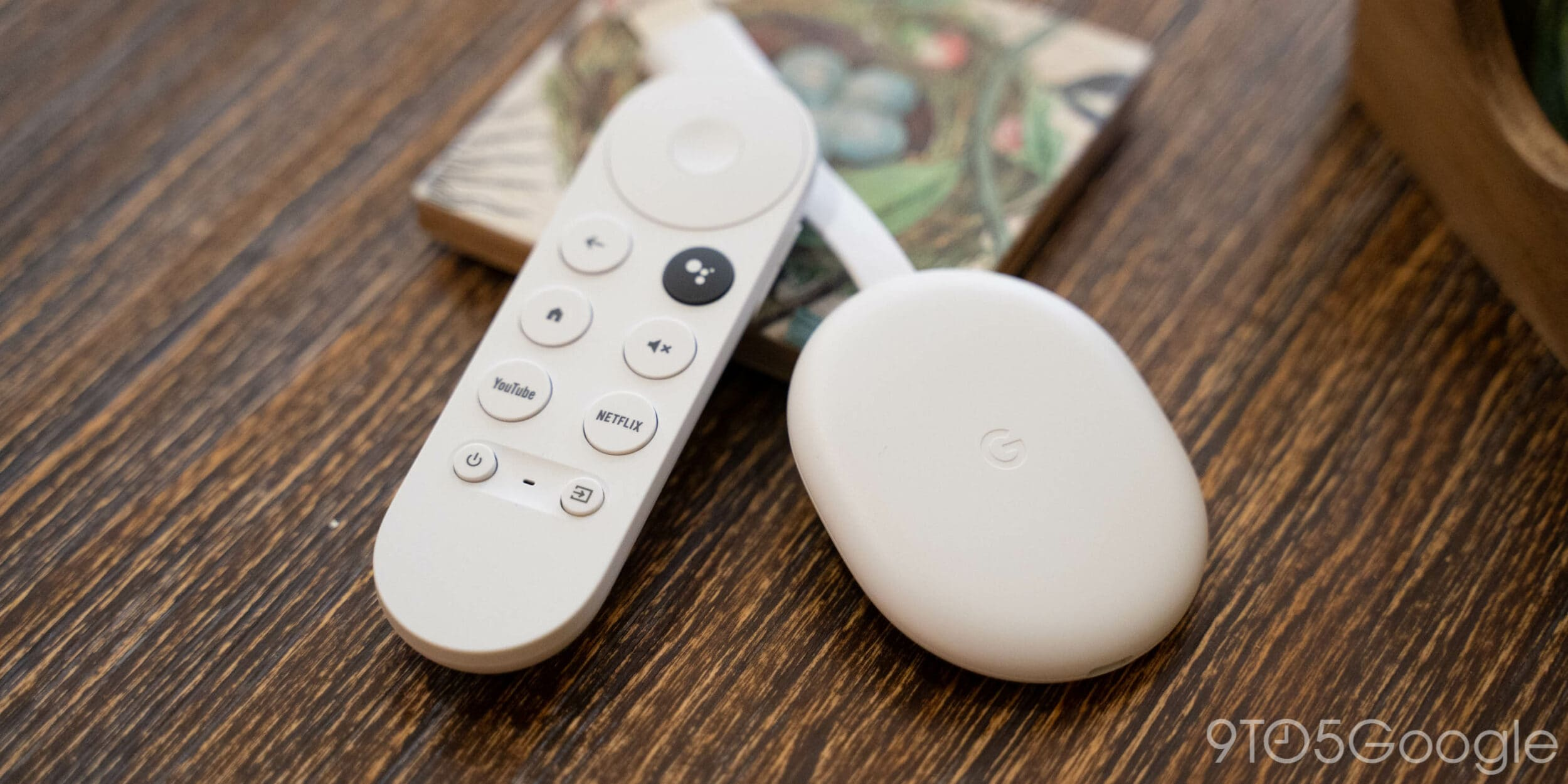 Apple TV è sempre più compatibile con Chromecast con Google TV e ora potete avviare la riproduzione con la voce
