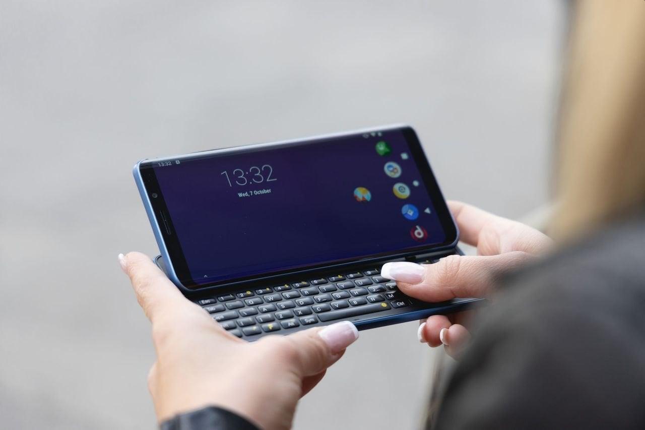 Quanti problemi per F(x)tec Pro1-X, lo smartphone con tastiera fisica scorrevole
