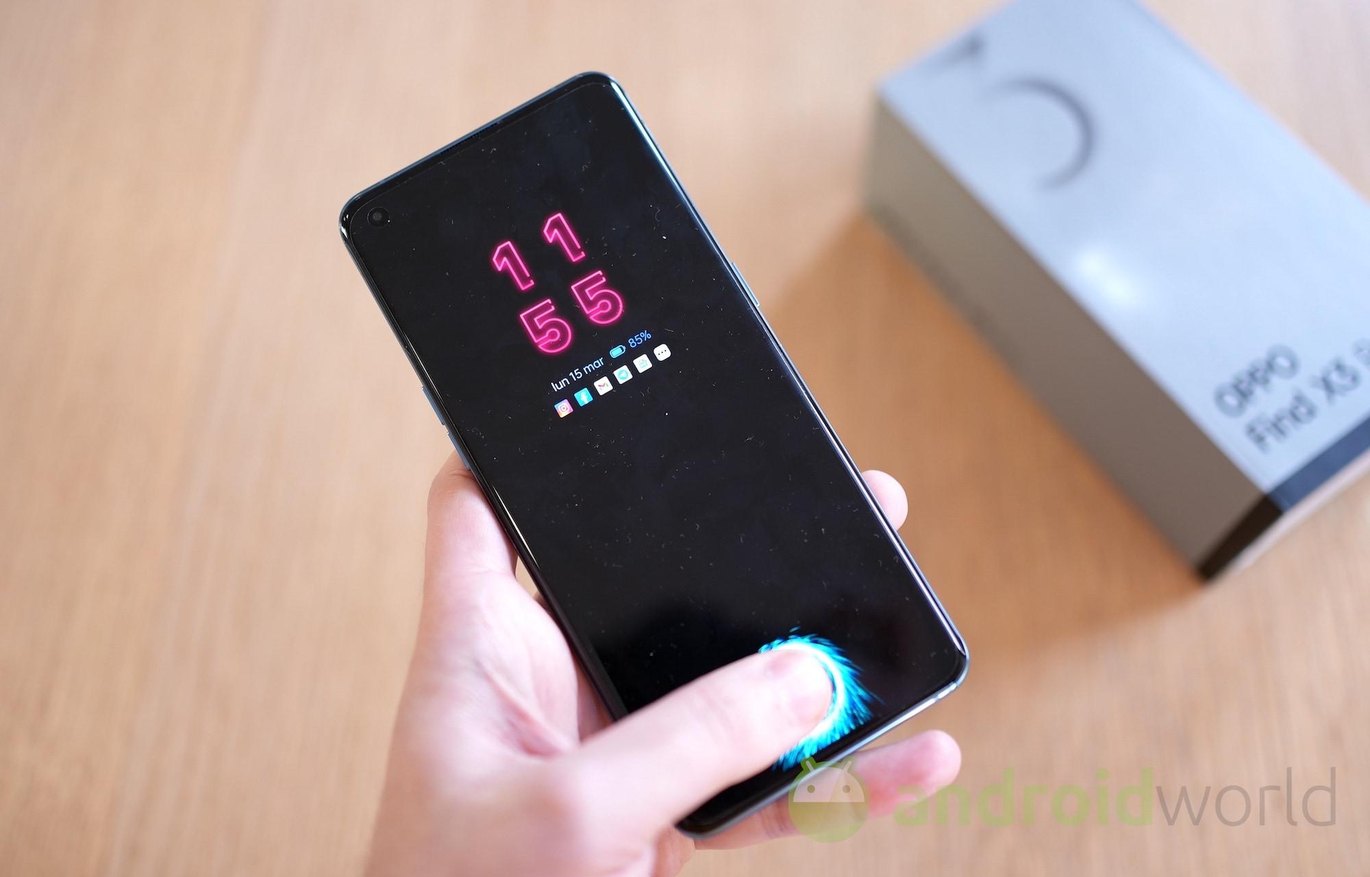 Anche OPPO vuole la sua ricarica wireless magnetica (foto)