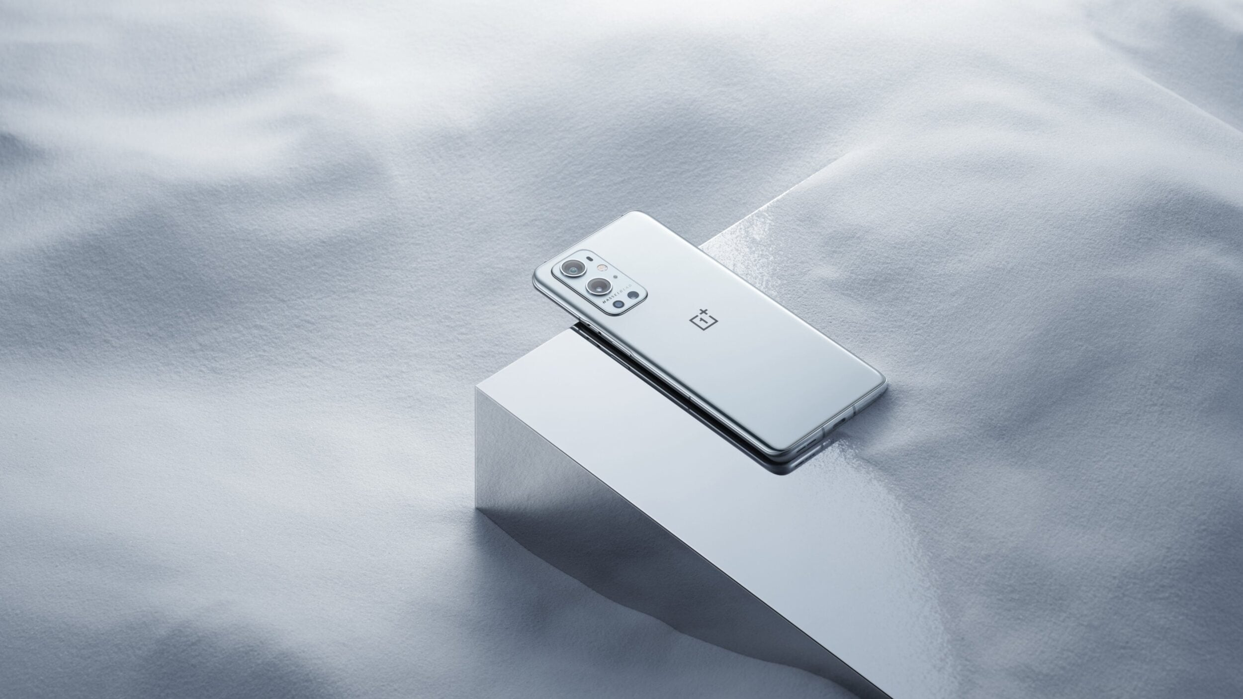 OnePlus lancia il programma Closed Beta anche per OnePlus 9 e 9 Pro: ecco chi può aderire