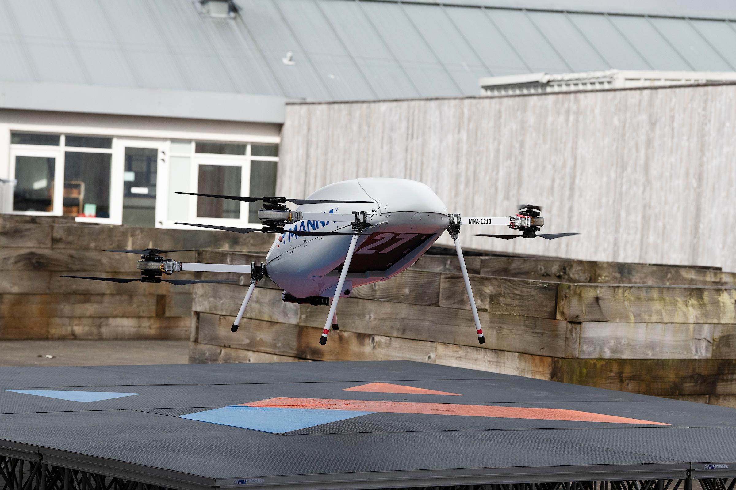 Smartphone Samsung consegnati a domicilio in 3 minuti dai droni! (foto)