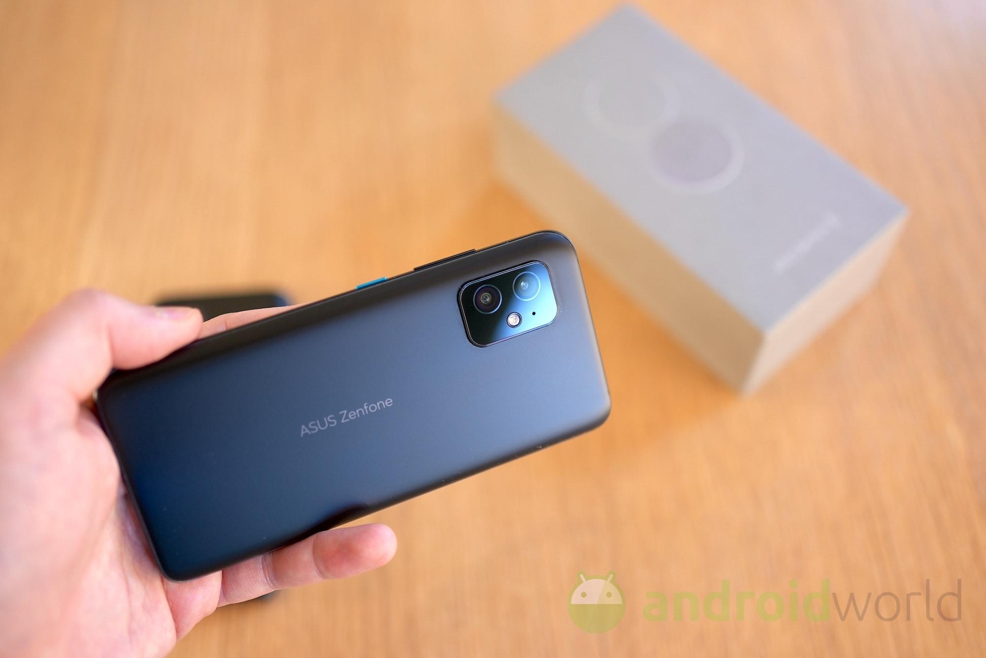 Zenfone 8 si aggiorna in Italia: ottimizzazioni per i consumi e la fotocamera (foto)