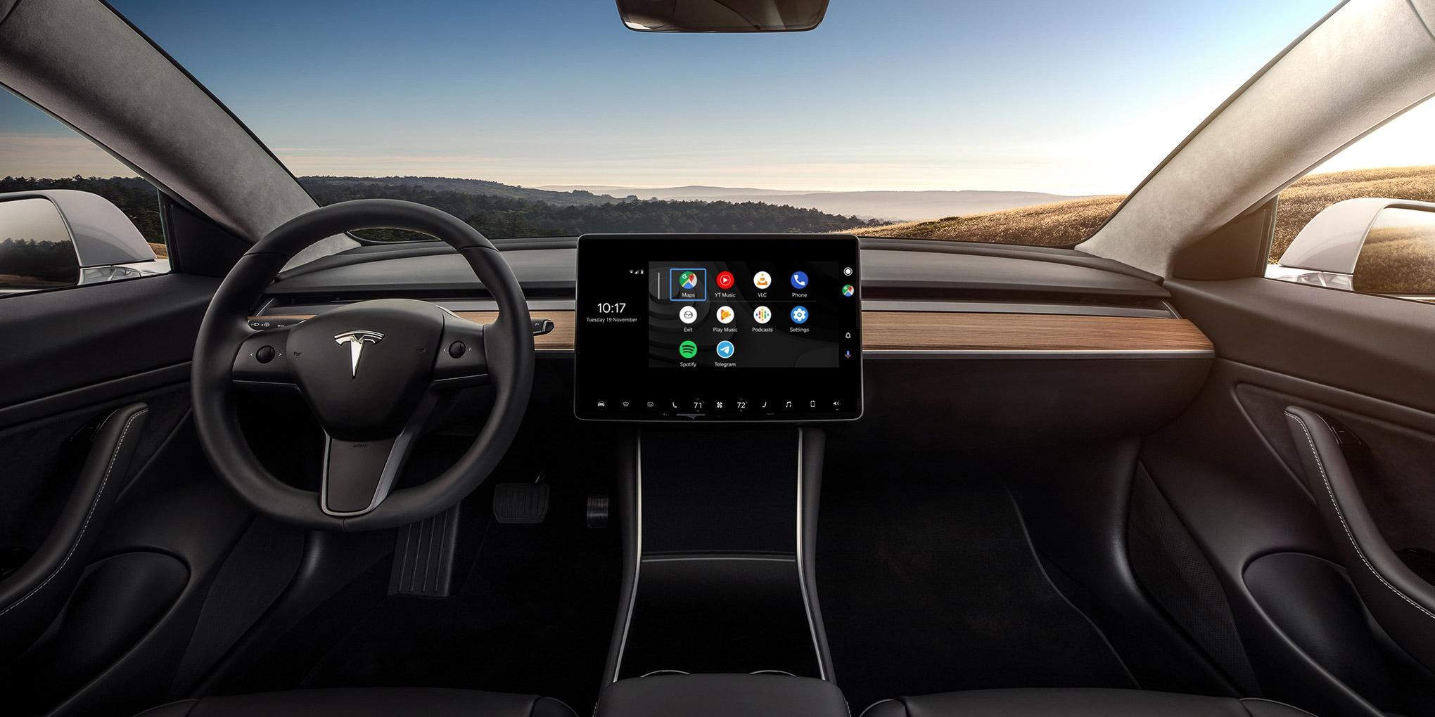 Android Auto su una Tesla? Qualcuno ci è riuscito, ma non è per niente semplice (video)